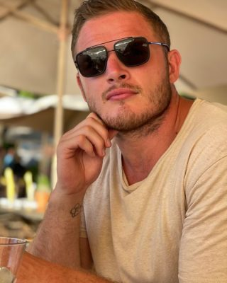 Can anyone tell us what @george.burgess2.0 is thinking about here???⠀⠀⠀⠀⠀⠀⠀⠀⠀ •⠀⠀⠀⠀⠀⠀⠀⠀⠀ •⠀⠀⠀⠀⠀⠀⠀⠀⠀ •⠀⠀⠀⠀⠀⠀⠀⠀⠀  #4blabel #mensfashion #makeityours #properclass #leaveyourmark #burgessbrothers #burgess #RESET #mensfashion #streetwear